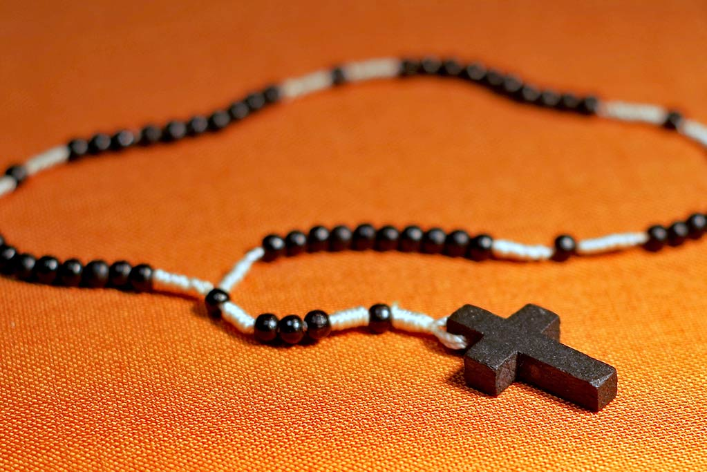 the-rosary-1769483_by_arcaion_cc0-gemeinfrei_pixabay_pfarrbriefservice_web